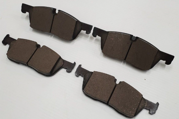 Genuine Jaguar XE/XF/F Pace Front Brake Pads